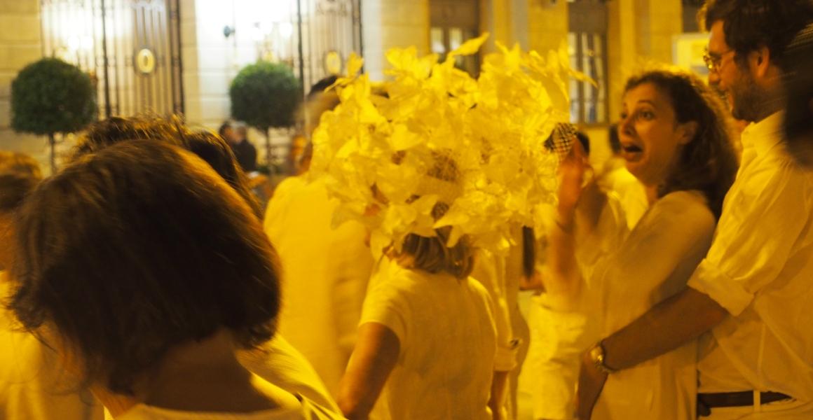 chapeau-diner-en-blanc-2.jpg